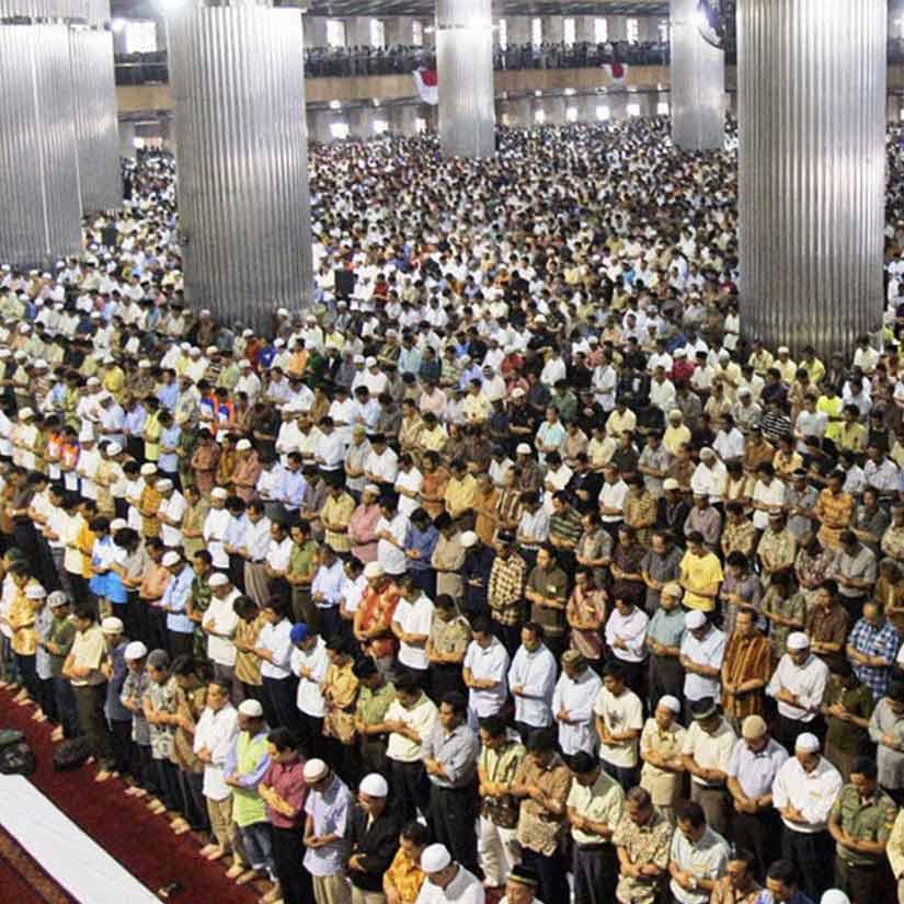 Mana Yang Lebih Utama Jadi Imam Sholat ? Yang Berjenggot Dengan Sedikit Hafalannya, Atau Yang Mencukur Jenggot Dengan Banyak Hafalannya?